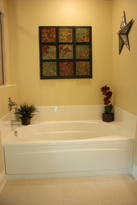 Relaxing Oval Bathtub in Master Bathroom